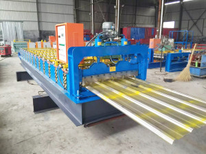 IMG 1522 300x225 - zt-900 tile roll forming machine main