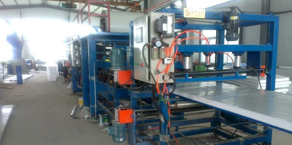 color steel composite plate production line equipment in the production process - color steel composite plate production line equipment in the production process