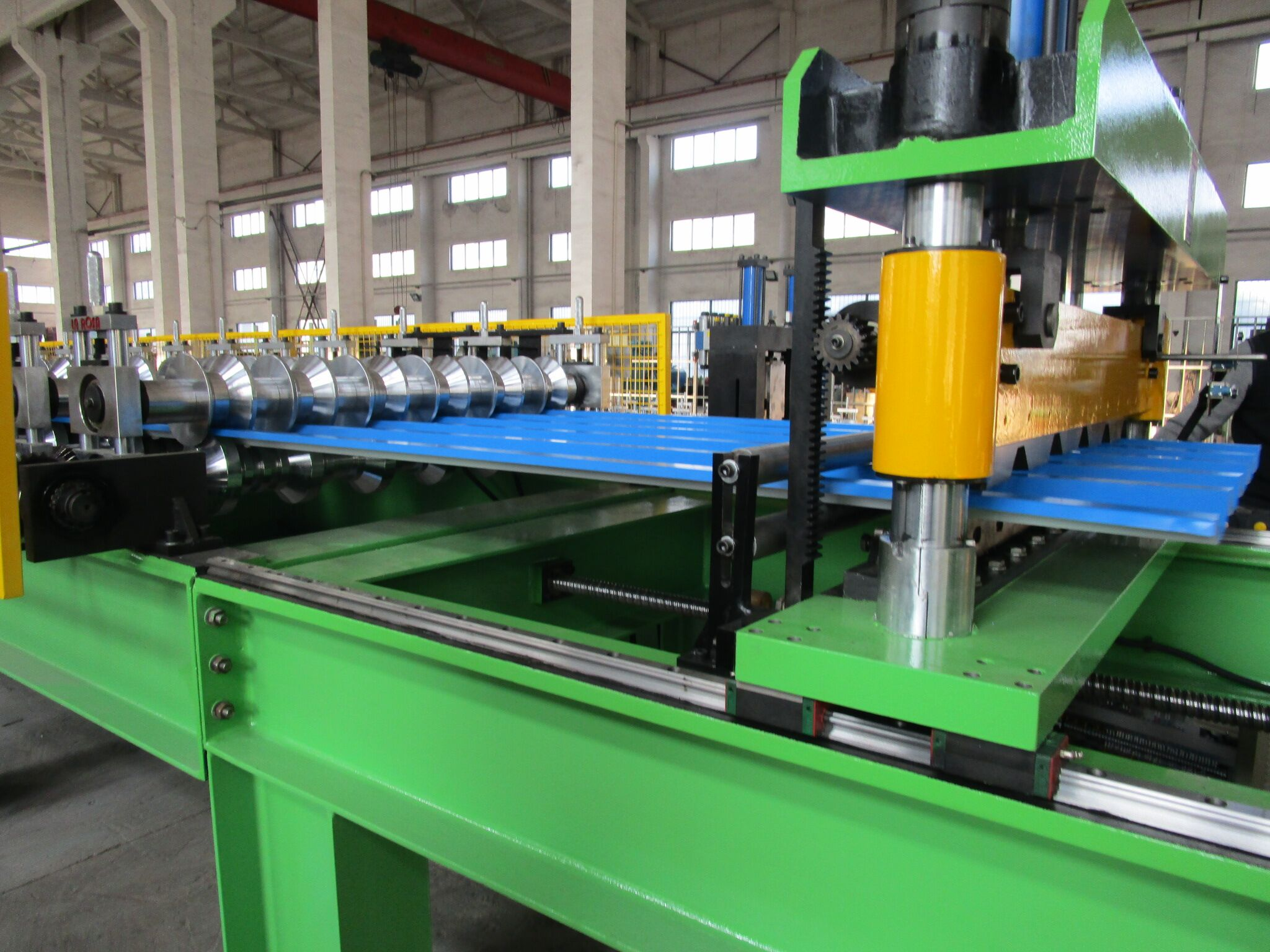 High Speed Metal Roof Sheet Roll Forming Machine